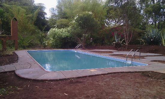 Octagon lodge bewertungen fotos preisvergleich karatu for Swimming pool preisvergleich