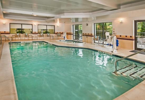 SpringHill Suites Hagerstown: Indoor Pool