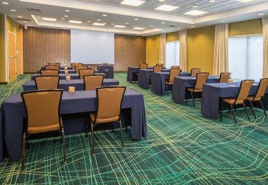SpringHill Suites Hagerstown: Meeting Room - Classroom Setup
