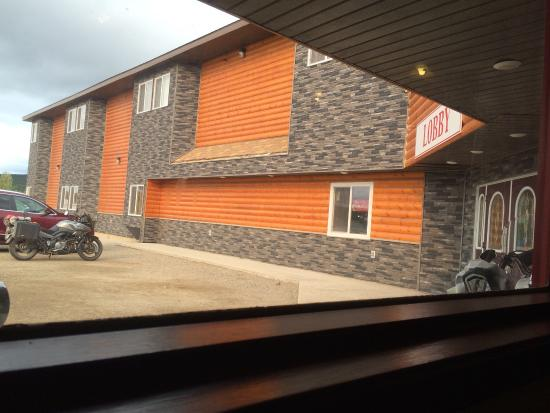 Watson Lake Yukon Canada Andrea S Hotel Where There About 3 Hotels To Pick