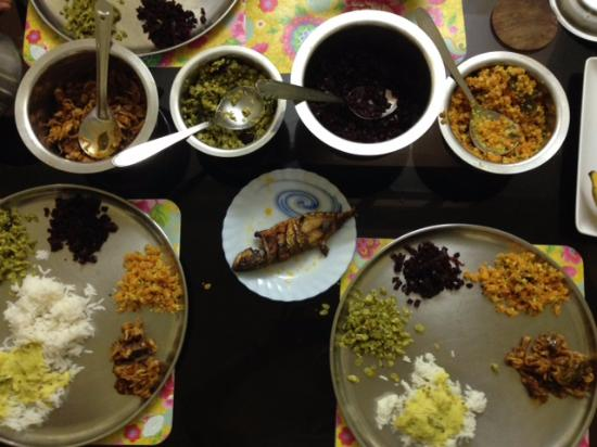 Jasmin Villa Homestay: Yummy home cooked dinner!