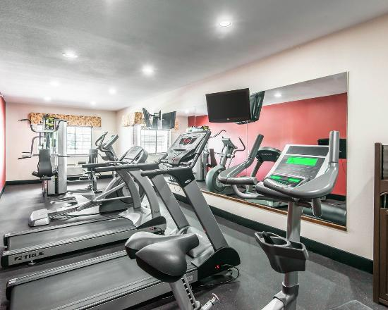 ‪‪Comfort Inn & Suites Downtown‬: Fitness center‬