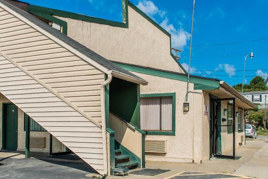 Photo of Econo Lodge Waynesburg