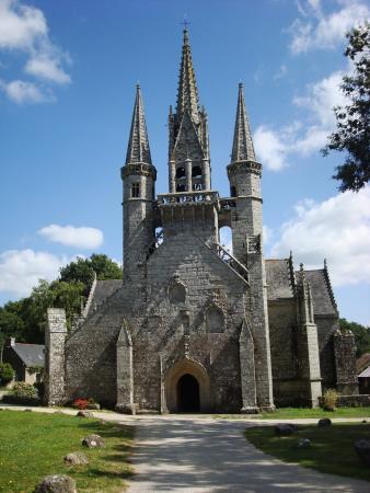 Le Faouet, France: Eglise St Fiacre , près de Le Faouët