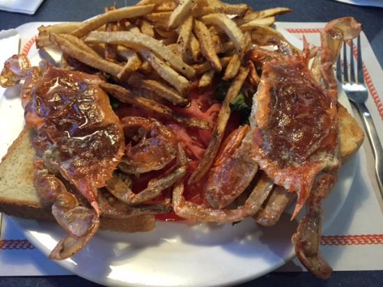 Lutherville, MD: Soft Shell Crabs