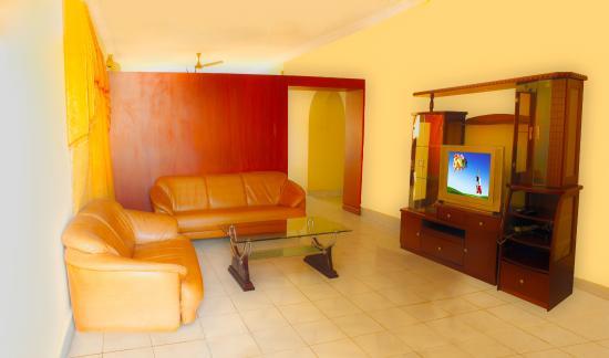 Vcare Service Apartments : Living Area