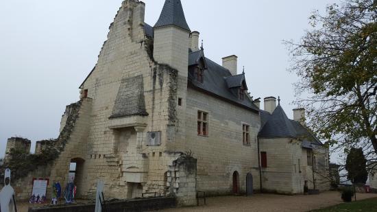 Forteresse royale de Chinon: Batiment sud