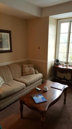 Lake Lure, NC: Sitting room attached to bedroom