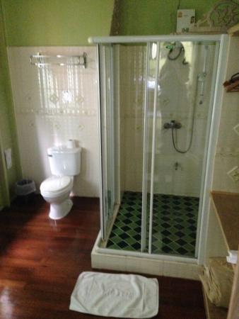 Sam Sen Sam Place : salle de bain
