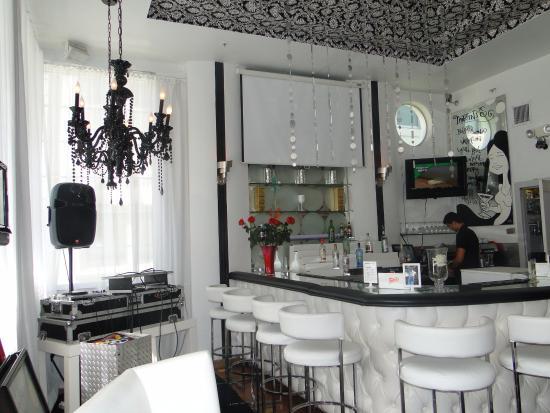 Whitelaw Lounge