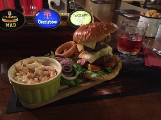 Eastling, UK: Awesome burger