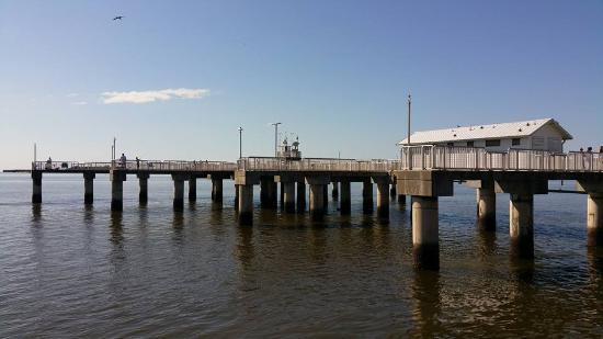 Faraway Inn: Pier