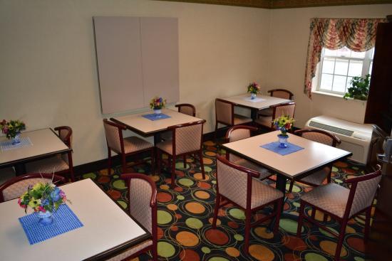 Microtel Inn & Suites by Wyndham Rock Hill/Charlotte Area : Breakfast/Meeting Room