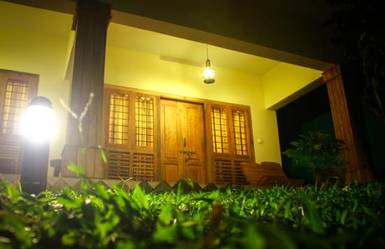 Green Court Cottage: super deluxe room