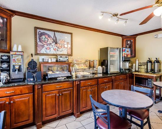Russellville, KY: Breakfast Area