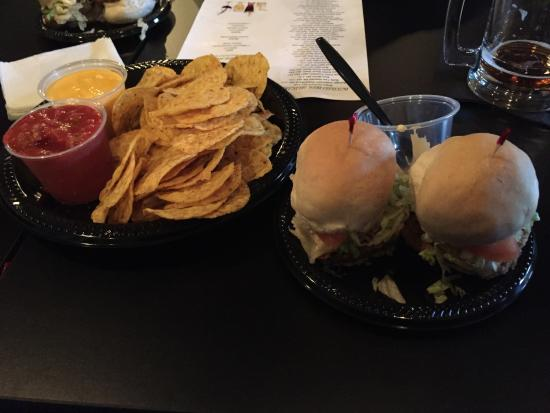 Canal Fulton, OH: Nachos and meatloaf sliders