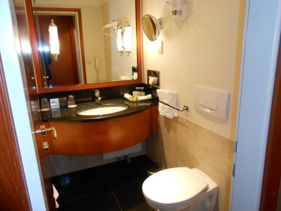 Bathroom - Foto di InterContinental Budapest, Budapest - TripAdvisor