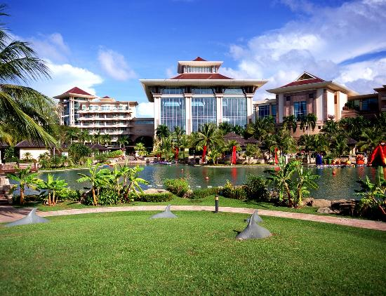 Kampong Jerudong, บรูไนดารุสซาลาม: Gardens at The Empire Hotel & Country Club Brunei