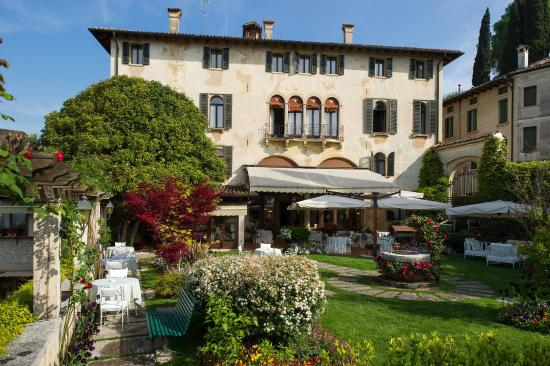 Villa Cipriani Hotel