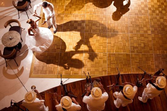 Grand Velas Riviera Nayarit: Lobby Bar
