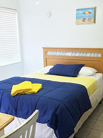 Paradise Oceanfront Hotel: Room 7
