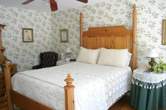 Babcock House Bed and Breakfast Inn: The Bradley Suite