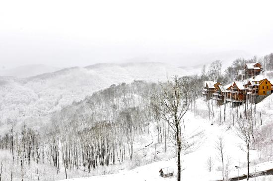 Scenic Wolf Mountain Cabins: A Winter Wonderland, Located On Wolf Ridge Ski  Resortsu0027