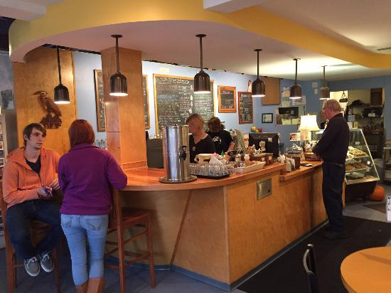 Blue Heron Coffee House: Service counter