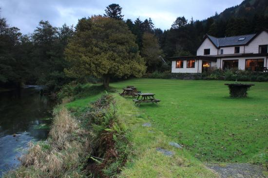 Dolbrodmaeth Riverside B&B: views of river running at back