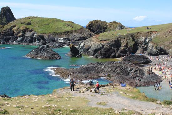Kynance Cove: nice beach not far away from Blankednick Farm