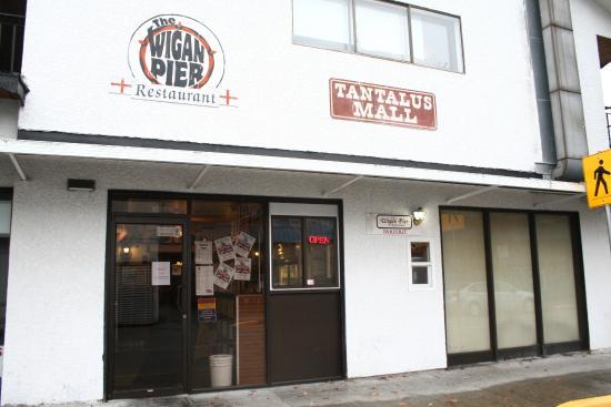 Garibaldi Highlands, Canadá: front of restaurant at Tantalus Mall