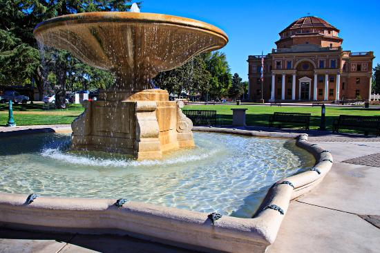 Atascadero, CA: City Hall