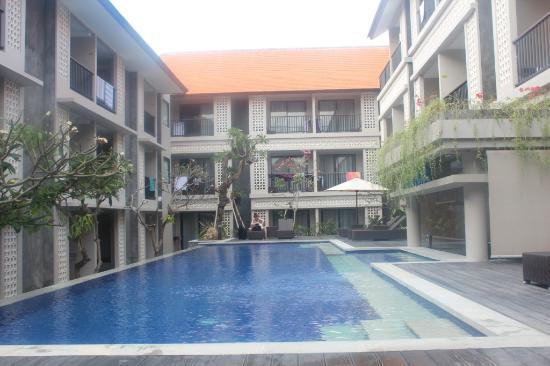 pool bar picture of grand barong resort kuta tripadvisor. Black Bedroom Furniture Sets. Home Design Ideas
