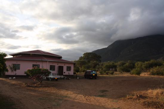 Tembo Guesthouse : Morning coffee with breathtaking views of Mount Longido - nothing beats it