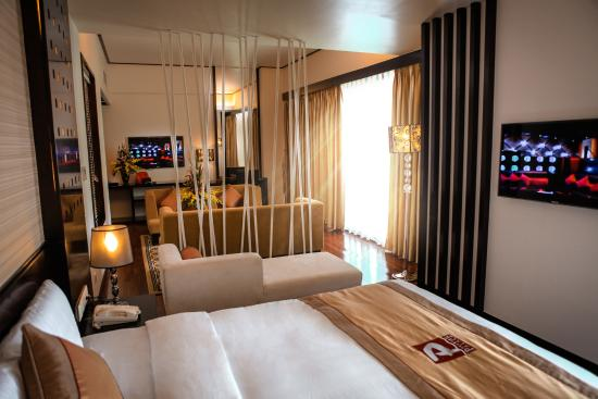 Halong Palace Hotel: suite 2