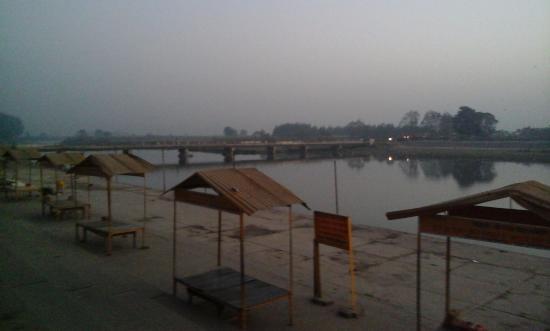 Muzaffarnagar, India: Holy Ganga River Ghat