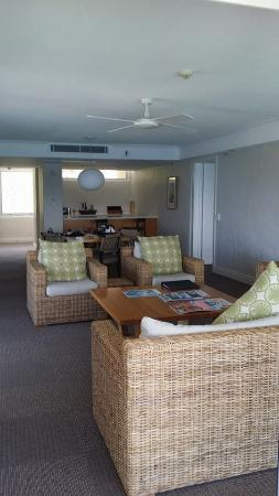 2 Bedroom Terrace Suite Reef View Hotel Picture Of Hamilton Island Whitsunday Islands Tripadvisor