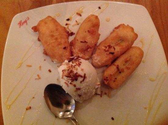 Springfield - Springfield Township, Pensilvania: Homemade coconut ice cream with fried bananas