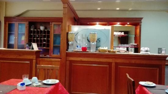 Kriss Hotel: IMG_20151118_080927_large.jpg