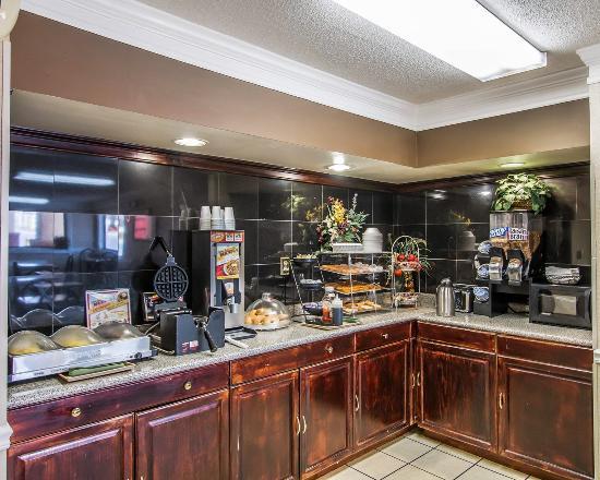 Econo Lodge Richmond Hill: Breakfast