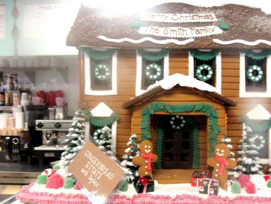 Solvang Ca Christmas.Gingerbread Houses Christmas 2015 Photo Taken Nov 2015