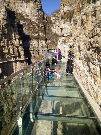 Baoding, Cina: one of the most famous sky walk in china