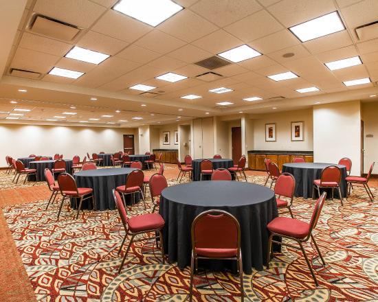 Comfort Suites Univ. of Phoenix Stadium Area: Ballroom