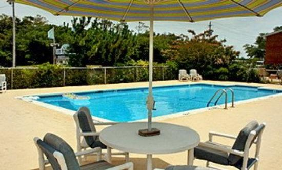 Cape pines motel hatteras island buxton nc motel - Hotels in buxton with swimming pool ...