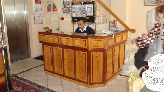 Askin Hotel: Стойка регистрации