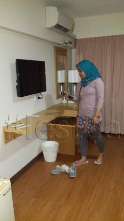 Samran Place Hotel : TV + meja rias
