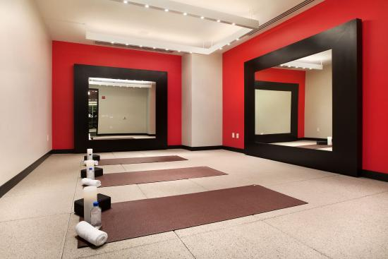 theWit - A DoubleTree by Hilton: 24 Hour Yoga Studio