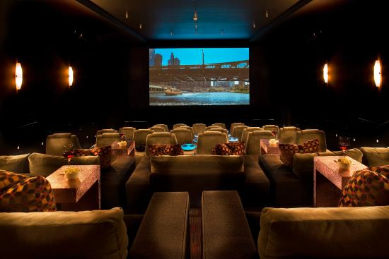 theWit - A DoubleTree by Hilton: SCREEN-The Wit