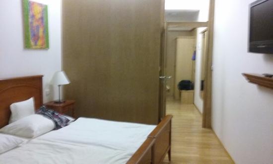 Hotel Arigone: Regular room
