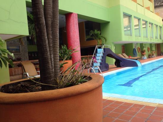 The Aiyapura Bangkok: Aiya Residence Sport Club BTS Budget Hotel